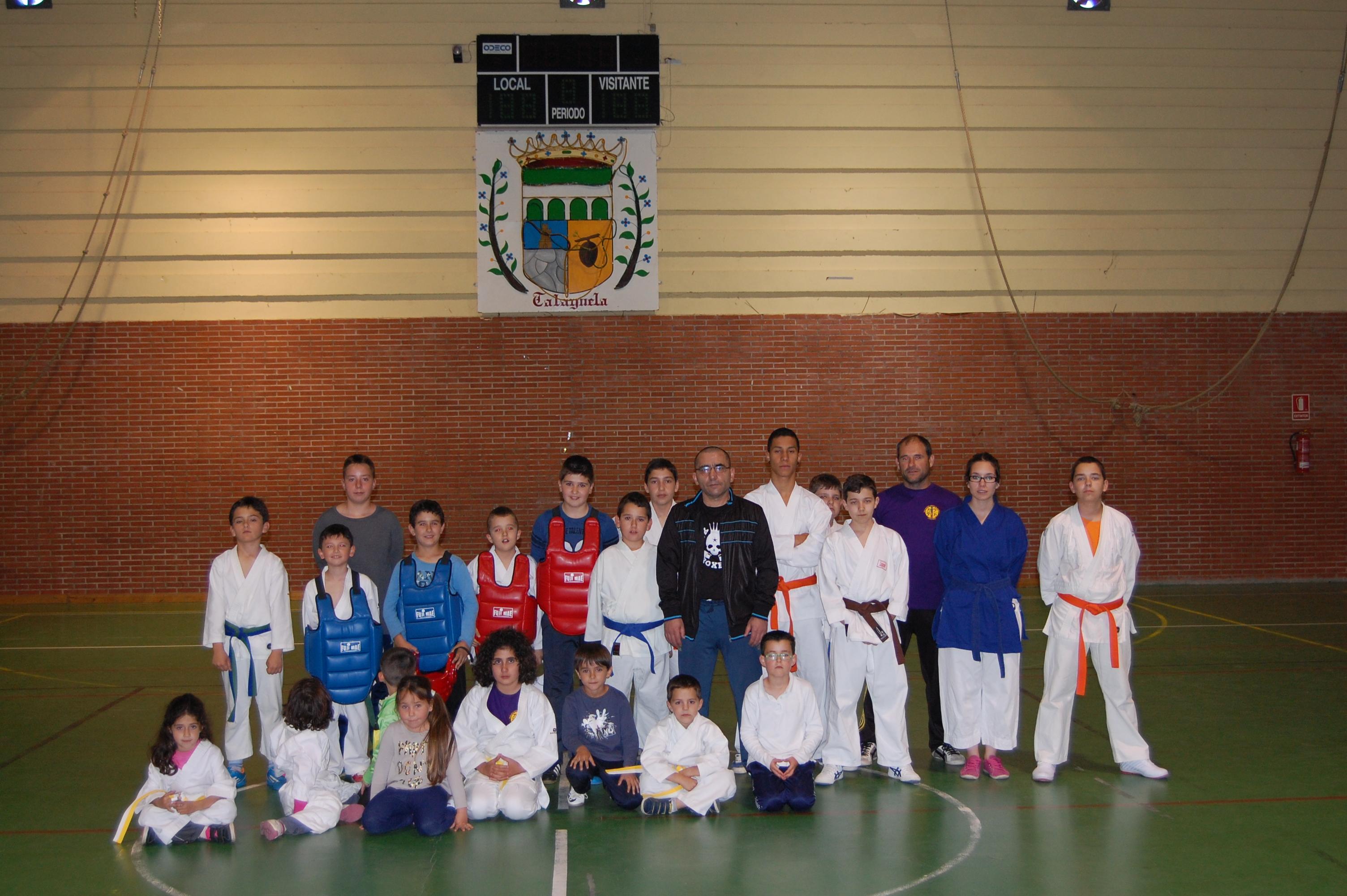 Exhibición de karate en el Ferial de Talayuela.