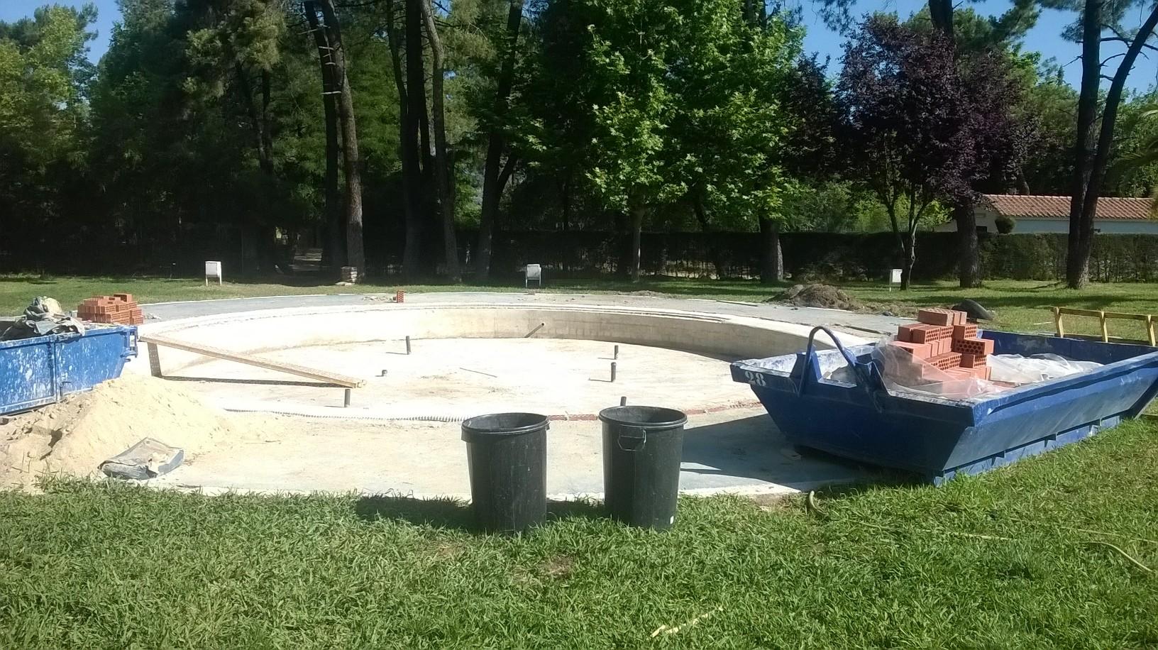 Obras de mejora en la piscina municipal de talayuela for Piscina municipal caceres