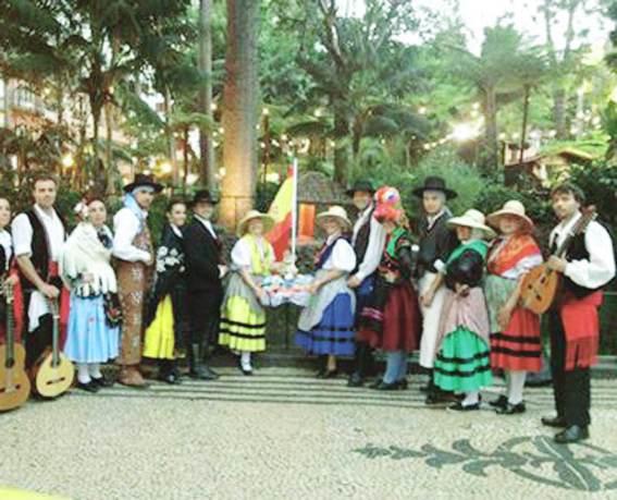Concurso de Natación, Artesanía, El Encinar y Fiesta Dj para hoy jueves