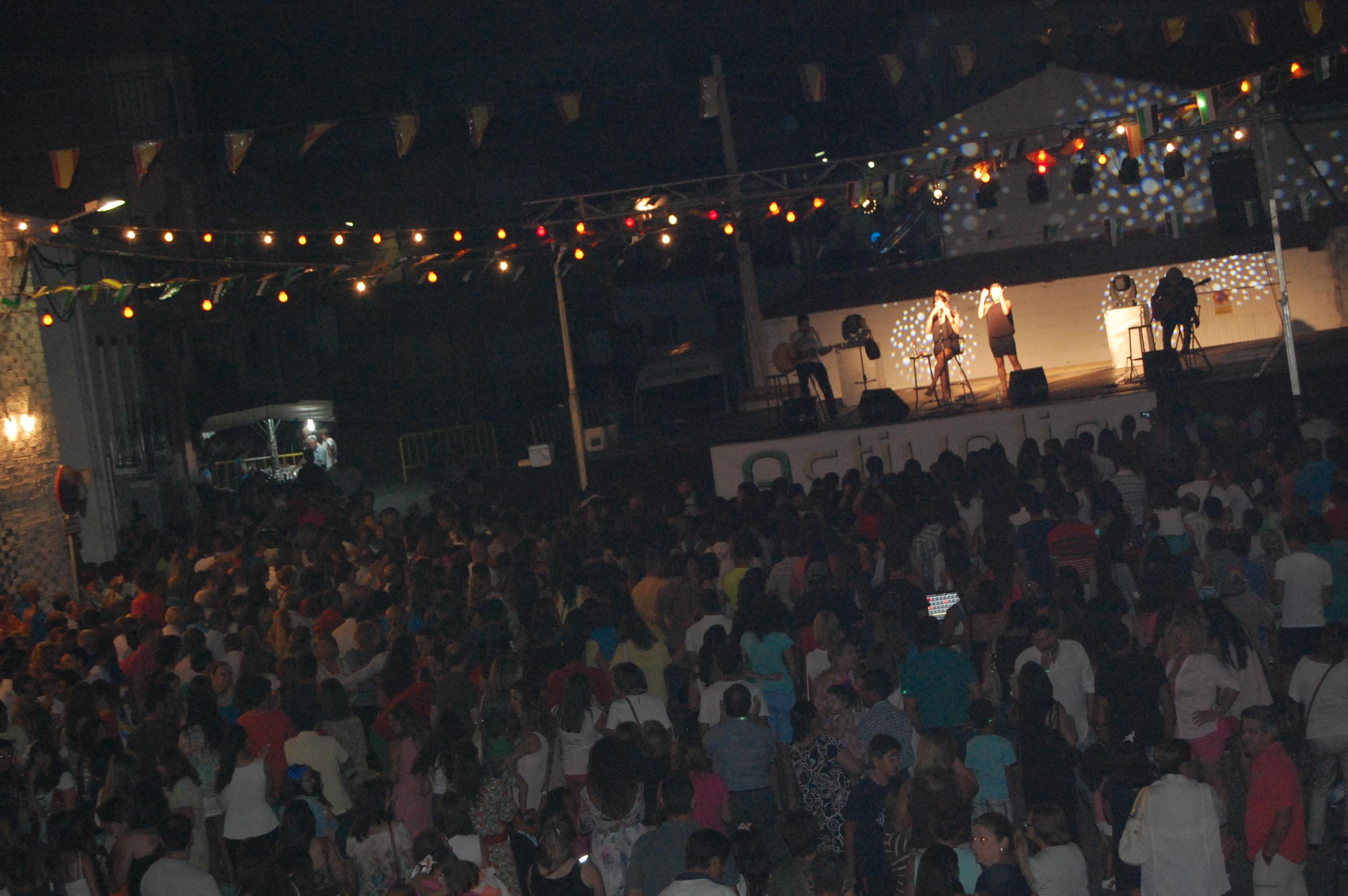 Rozalén conquista a los asistentes con su timbre de voz y la originalidad de sus canciones
